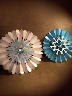 4 large Frozen Rosettes snowflakes  wall by Busyisthenewhappy, $14.00