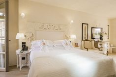 La Villa del Re, 5 star hotel in Sardinia front-sea with luxury services. Re Room, Luxury Services, Shabby Chic Style, Sardinia, Villa, Rooms, Italy, Bed, Furniture