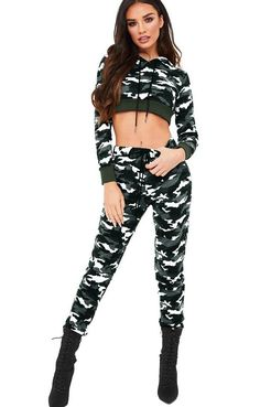 Sexy Camou Crop Top and Pants Swag Outfits For Girls, Camo Outfits, Teenage Girl Outfits, Crop Top Outfits, Sporty Outfits, Teen Fashion Outfits, Dresses For Teens, Mode Outfits, Dance Outfits