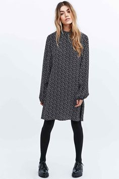 Cooperative by Urban Outfitters Printed Blouson Sleeve Dress in Mono