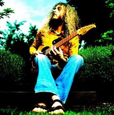 One of the best jazz/fusion guitarists around, #Guthrie #Govan
