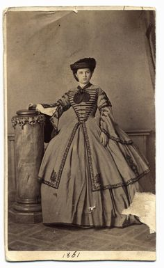 Hungarian Belle, 1861 – costume cocktail