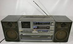 JVC DC-33L 1980s Ghettoblaster with vinyl turntable!