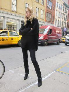 nowmanifest. a few fashion blogs. one link.