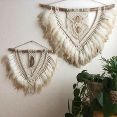 My two beige favorites are now available in my shop! I'm actually so in love with these two Link is in my bio Imyourgypsy. Macrame Design, Macrame Art, Macrame Projects, Macrame Knots, Macrame Wall Hanging Patterns, Macrame Patterns, Art Macramé, Yarn Wall Art, Macrame Curtain