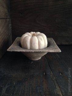 Small bowl by Katsumi Machimura.  町村勝巳さんの小さいボウルです。| Pragmata Gallery