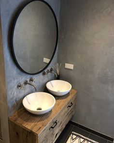 Badkamer – Binnenkijken bij wonenbyes look inside at living byes Related Post Meraki, Danish cosmetics Industrial design in the interior – furnishi. Small Bathroom Designs – Decorating Cini Mosaic bathroom tiles are certainly having a momen. Dyi Bathroom Remodel, Diy Bathroom, Bathroom Wall Decor, Shower Remodel, Bathroom Interior, Bathroom Cabinets, Bathroom Ideas, Bath Remodel, Restroom Cabinets