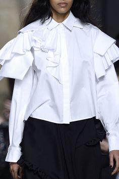 Preen by Thornton Bregazzi Fall 2016 Ready-to-Wear Fashion Show