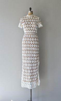Dreamweaver wedding dress vintage crochet by DearGolden 70s Fashion, Fashion History, Indian Fashion, Vintage Fashion, Fashion Hacks, Fashion Tips, Vestidos Vintage, Vintage Dresses, Vintage Outfits