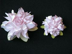 These layered ruffled flowers are GORGEOUS! <3!