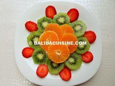Dieta Rina Meniu Vitamine Ziua 4 ⋆ Dalida Cuisine Rina Diet, Fruit Salad, Panna Cotta, Avocado, Strawberry, Snacks, Ethnic Recipes, Food, Vitamins