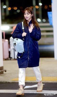 Girl's Day Hyeri Girl's Day Hyeri, Lee Hyeri, Pretty Woman, Pretty Girls, Girls Day Members, Girl Day, Kpop, Lady, Style