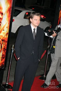 """Blood Diamond"" Los Angeles Premiere Grauman's Chinese Theatre, Hollywood, CA 12-06-2006 Leonardo Dicaprio Photo: Clinton H. Wallace-photomundo-Globe Photos Inc"