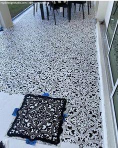 Stencil Concrete, Painting Concrete, Concrete Patio, Floor Design, House Design, Stencil Painting, Paint Stencils, Porch Flooring, Stenciled Floor