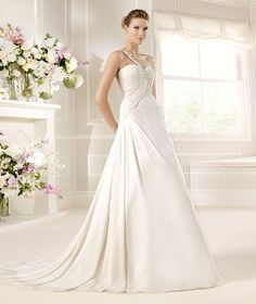 MURPHY » Wedding Dresses » 2013 Fashion Collection » La Sposa