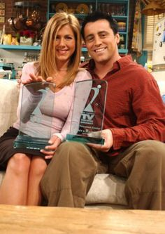 Jennifer Aniston and Matt LeBlanc (never saw this picture before). Cute