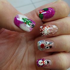 40 Besten weihnachten nageldesign ! #weihnachten #weihnachtendesign #nail #nails #nageldesign #christmastnails #nageldesign Christmas Nails, Beauty, Nail Art, Fingernail Designs, Christmas Manicure, Xmas Nails, Beauty Illustration