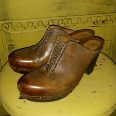 EARTHIES ANTIQUE ALMOND BROWN FREIBURG PLATFORM CLOGS MULES 8 M WOVEN LEATHER #Earthies #Mules