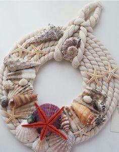 Beach home decor Nautical Wreath, Seashell Wreath, Seashell Crafts, Sea Crafts, Rope Crafts, Wreath Crafts, Deco Marine, Driftwood Art, Summer Crafts