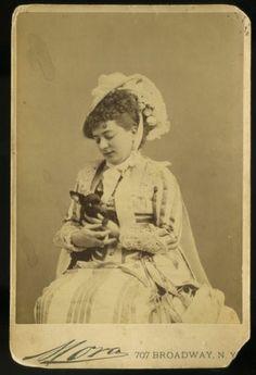 C1880 Mora Cab Card Woman Actress with Chihuahua Dog | eBay