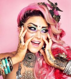 Neon Hitch.