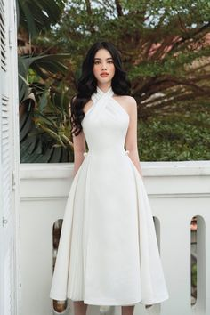 Elegant Dresses Classy, Classy Dress, Simple Dresses, Classy Outfits, Pretty Dresses, Beautiful Dresses, Korean Fashion Dress, Fashion Dresses, Estilo Blair Waldorf