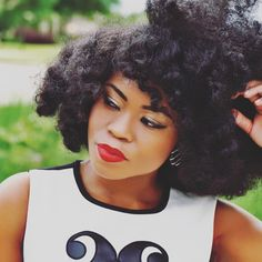 """- Mimi """"aka"""" Corporate Chic (@officialcorporatechic) Roller set. Hairstyles for natural hair. Big hair. Perfectly frizzy. Frizzy hair. Natural hair. Healthy hair. Afro hair. Kinky curly hair. Thick natural hair."""