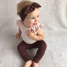 This super sweet set of leggings and headband is great for babies and toddlers! It is stylish for your baby and makes a great gift that anyone can be proud to give to a lucky mom and baby. Matching headbands look beautiful on Mamas too! Newborn Outfits, Kids Outfits, Toddler Outfits, Polka Dot Leggings, Baby Leggings, Preemie Clothes, Knot Headband, Headbands, Girls Coming Home Outfit