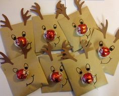 reindeer food with a little treat for the kids reindeer foodchristmas fundraising ideasfete