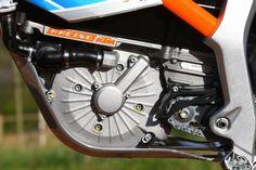 2015-KTM-Freeride-E-XC-Motor-LHS