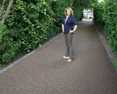 Resin Bonded Driveways, Patios and Pathways Gallery - Resin Drives Driveway Apron, Driveway Edging, Diy Driveway, Driveway Repair, Asphalt Driveway, Stone Driveway, Gravel Driveway, Driveway Entrance, Driveway Landscaping
