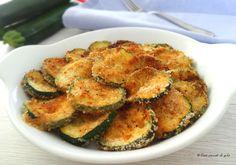 Le zucchine gratinate sono un delizioso antipasto o un gustoso contorno. La gratinatura permette di ottenere una croccante crosticina in superficie.