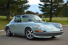 Green 1972 Porsche 911 (1.gen.) 2.4 T/E Targa ; 103 kW; Interior color - Black; Left hand drive; Rear wheel drive; Targa roof; No cruise control; No air conditioning