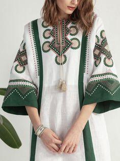 Batik Fashion, Abaya Fashion, Muslim Fashion, Ethnic Fashion, Fashion Dresses, Iranian Women Fashion, Pakistani Fashion Casual, Pakistani Dress Design, Mode Ootd