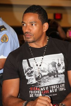 Laz Alonso ...jus sayn OMG.  He would make a perfect C.J..  Especially they way he looks right here.