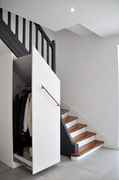 Discover recipes, home ideas, style inspiration and other ideas to try. Staircase Storage, Stair Storage, Staircase Design, Stairs Architecture, Built In Furniture, House Stairs, Interior Design Living Room, Diy Bedroom Decor, New Homes