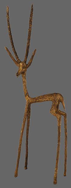 antilope en terre-papier patinée, posée sur une armature en fil de fer, sans cuisson