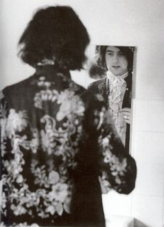 Jimmy Page photographed by Dominique Tarlé, 1968.