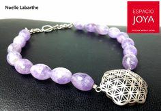 En nuestro Espacio, orfebres nacionales e internacionales. Noelle Labarthe es uno de ellos. Beaded Bracelets, Jewelry, Fashion, Space, Jewels, Moda, Jewlery, Bijoux, Fashion Styles
