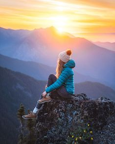 Holy Grail Hiking and Camping Gear: 2019 Edition - Renee Roaming - Alice Hiking Photography, Autumn Photography, Girl Photography Poses, Creative Photography, Photography Editing, Glamour Photography, Lifestyle Photography, Editorial Photography, Fashion Photography