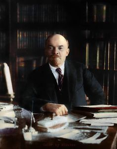 Lenin in Color - English Russia Vladimir Lenin, Russian Revolution, Imperial Russia, Communism, Soviet Union, Soviet Art, History Facts, Historical Photos, World War