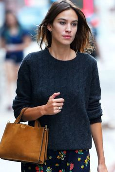 Alexa Chung Nails How To Dress For Swinter