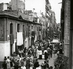 Barcelona, diada de Corpus a la Barceloneta 1915.
