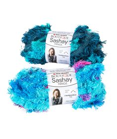Boutique Sashay Fringe - With a trendy fringe style edging, Sashay Fringe puts a fun new twist on ruffle yarn. Stitches up just as easily as regular Sashay but is even softer and very drapey. Makes a great 1 ball scarf.