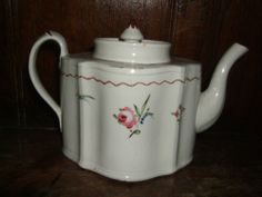 UNUSUAL AND RARE KEELING TEAPOT AND COVER c.1795