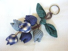 Adorable handmade tulip keychain in the shades of blue. It can be used as keychain or you can hang it on your bag/purse.    After payment is received, I will ship your item within 2-3 business days via Thailand's registered airmail (with tracking information) to ensure that your package will not be lost during delivery. Delivery normally takes 2-3 weeks depending on your location.    Thanks for visiting my shop!    Please take a moment to read my shop policies using the link provided below…