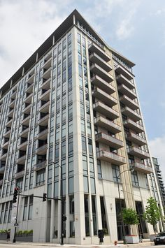 740 West Fulton Chicago Illinois 60661 in the West Loop neighborhood, minutes away from   the Loop, United Center, French Market  and easy expressway access. Location is sought after condos for sale sell quickly.