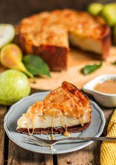 MniuMniu - Kuchnia roślinna: TOFURNIK IMBIROWY Z GRUSZKAMI Vegan Cheesecake, Vegan Sweets, Salmon Burgers, Tofu, Pear, Cake Recipes, Sandwiches, Healthy, Ethnic Recipes