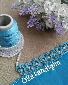 """1,328 Beğenme, 3 Yorum - Instagram'da tığ oyaları (@oya.sandigim): """"Hayırlı sabahlar #oyamodeli #tigoyasi #yemeni #yazma #tülbent #boncukoyasi #inciboncuk…"""" Filet Crochet, Crochet Borders, Crochet Projects, Tatting, Diy And Crafts, Crochet Necklace, Stitch, Beads, Sewing"""