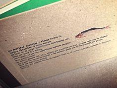 #sardinasentapa. Libro fabricado con cuadernillos de papel reciclado cosidos a la greca. Impresión en tapa de cartón.